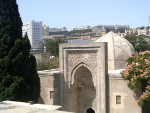 http://azerbaijans.com/uploads/shirvanshahlar555.jpg